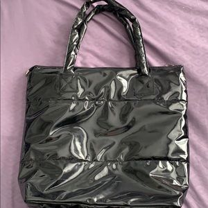 Puffer purse. Black NWOT. Perfect condition!😊